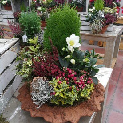 centrotavola natalizio con fiori